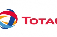 Total plans new offshore Angola well to boost oil output